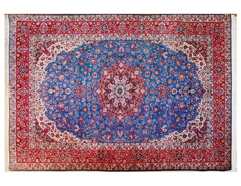 年数を経た美しさ~オールド・イスファハン産絨毯~