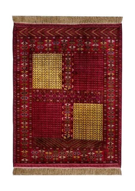トルクメン民族のシルク~柔らかな風合いとビビットな色使い