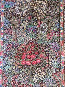 お花畑のケルマン絨毯、新着です。