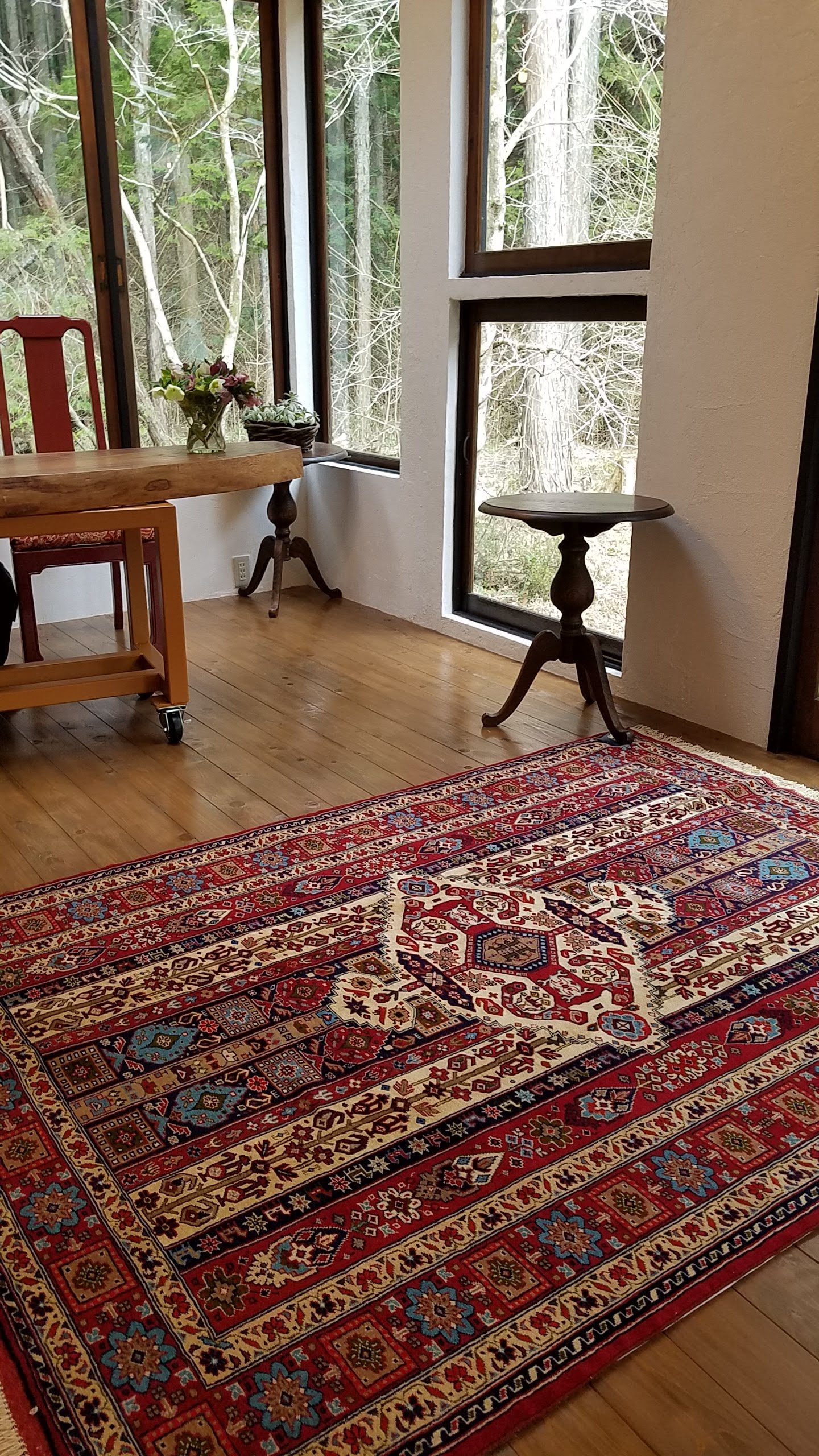 カシュガイ民族の上質ペルシャ絨毯